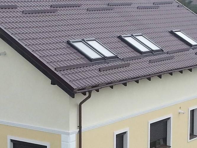Invelitoare din tabla tip tigla si ferestre de mansarda