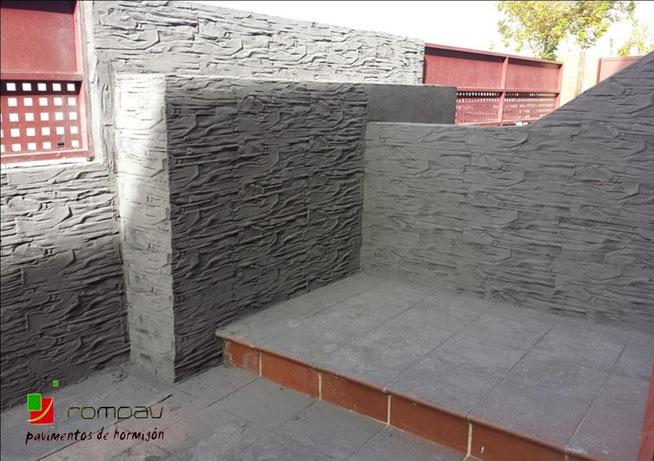 Placari cu beton amprentat