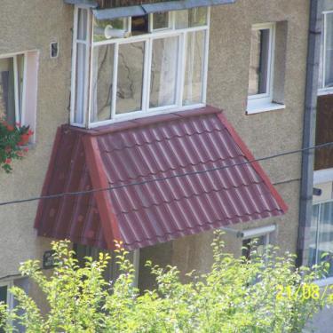 Materiale pentru acoperisuri: coame, jgheaburi