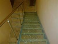 Trepte din sticlă