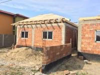 Casa cu pod depozitare