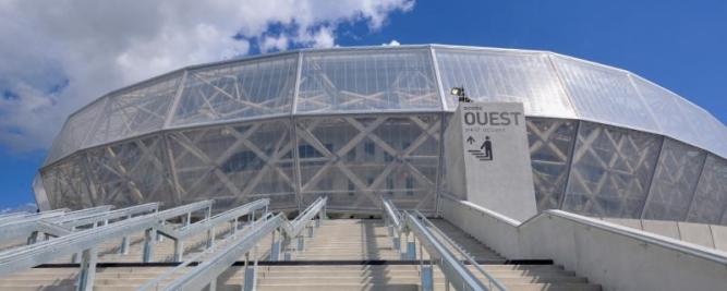 Pereti cortina stadion Franta