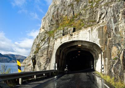 Constructie tuneluri