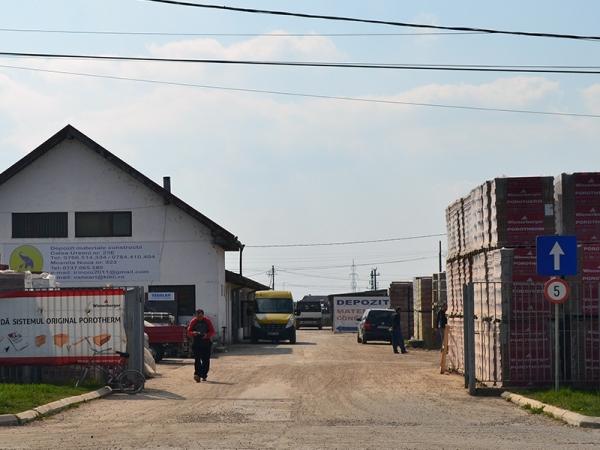 Materiale de construcții KIKI & IRI