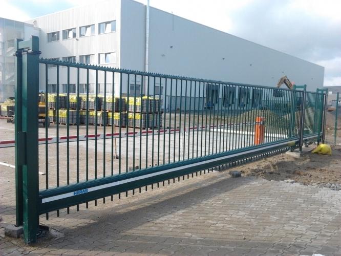 Porți de acces culisante autoportante