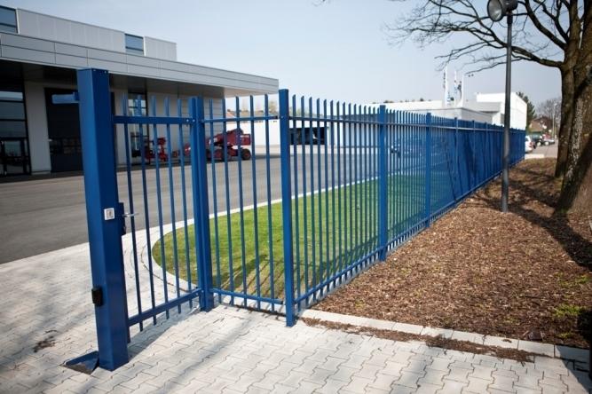 Garduri metalice de fațadă