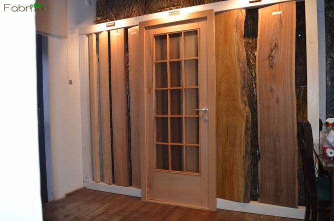 Usi de interior din lemn cu sticla