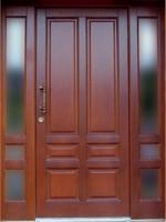 Usa de intrare din lemn