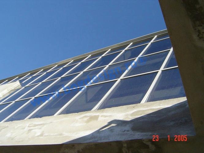 Fațadă din sticlă