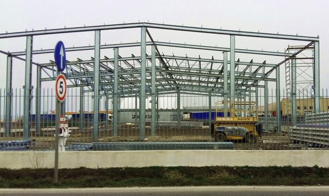 Construcție hală metalică pe structuri din profile galvanizate la rece
