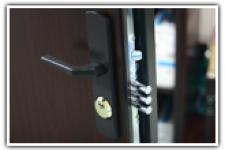 Ușă antiefracție