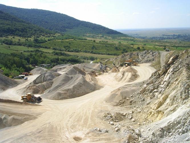 Nisip si pietris pentru constructii