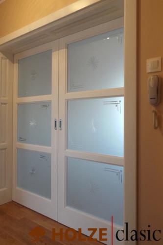 Ușă culisantă cu sticlă ornamentală
