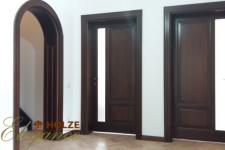 Usi interioare din lemn stratificat