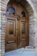Ușă din lemn stratificat cu arcadă