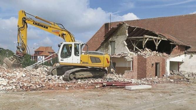 Demolări clădiri civile